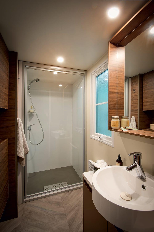 salle d eau zen best une ambiance zen et minrale with salle d eau zen affordable besoin duune. Black Bedroom Furniture Sets. Home Design Ideas