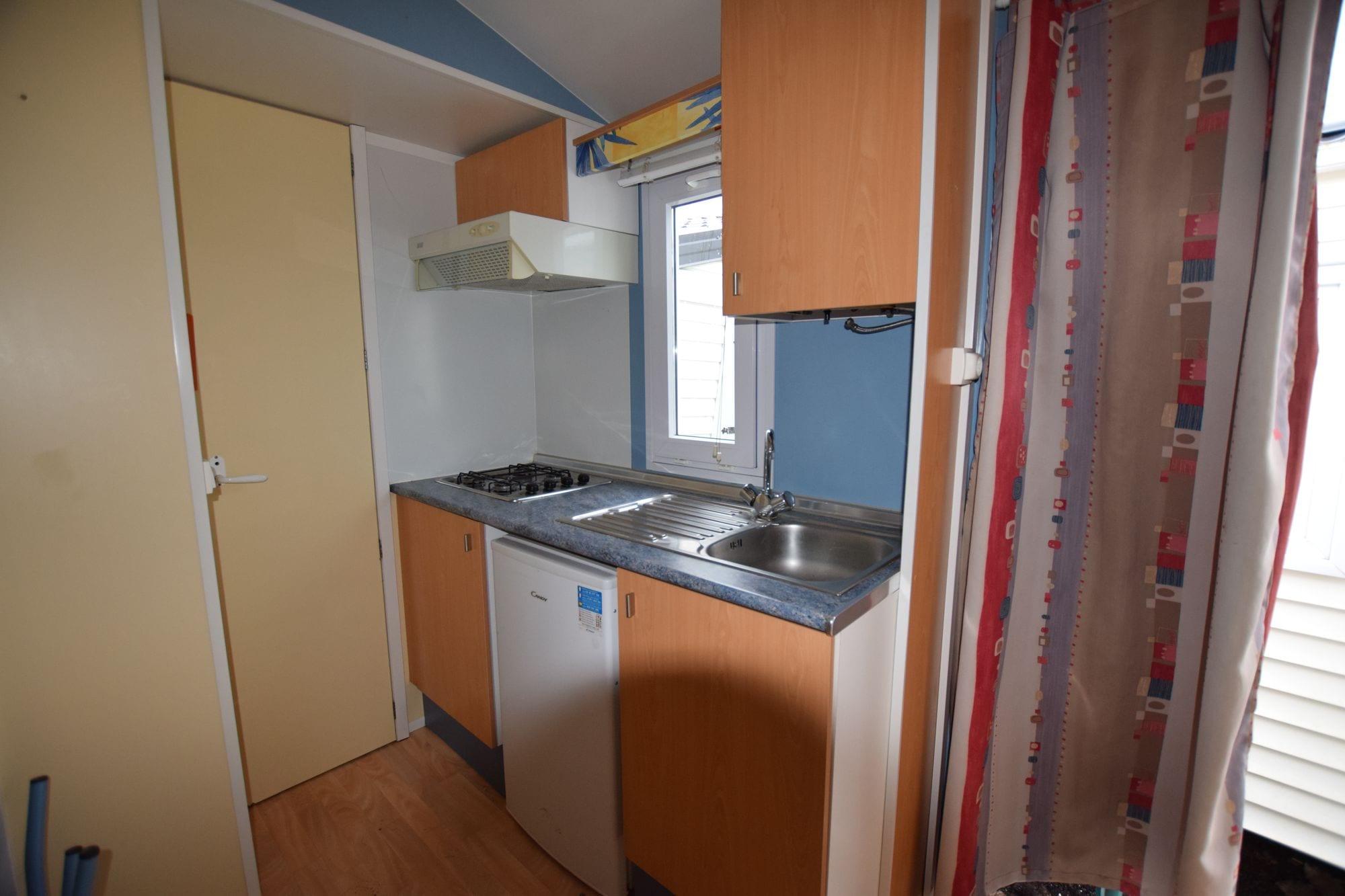 sun roller 635 mobil home d 39 occasion 3 900 zen mobil homes. Black Bedroom Furniture Sets. Home Design Ideas
