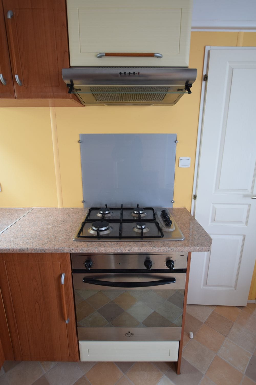 plaque de cuisson - hotte - four