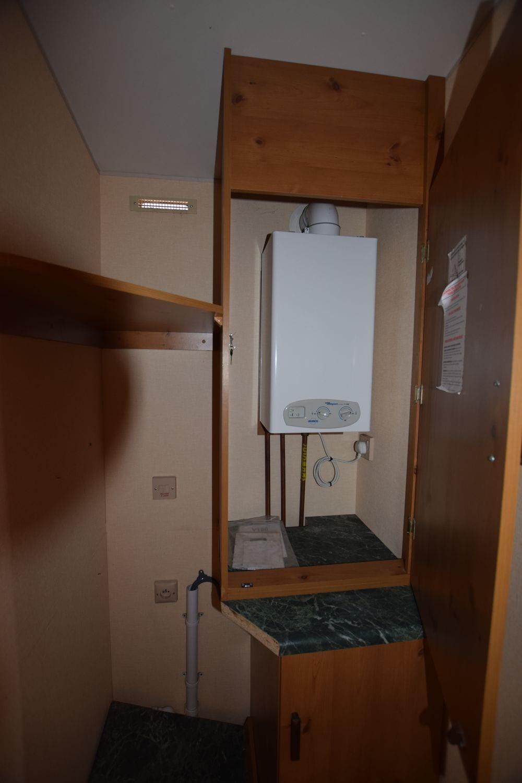Placrd pour chauffe eau et branchement machine à laver